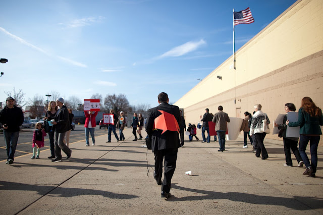 NL- WM action Black Friday (hi res fotos gracias Steve Mcfarland, cpd) - 1123Walmart_2676.jpg