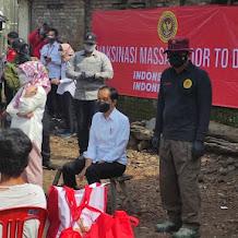 Presiden Jokowi dan Kepala BIN Budi Gunawan Pantau Langsung Vaksinasi Massal Sukoharjo dan Klaten