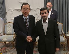 Ban Ki-Moon (ONU) y Mahmud Ahmadineyad (Pte. de Irán)