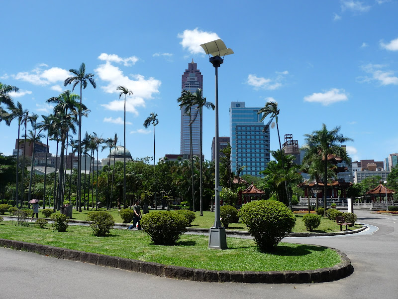 TAIWAN.Taipei.Peace park 228 - P1110496.JPG