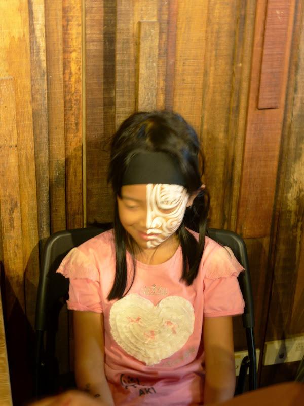 Taipei. Maquillage au Thinker s theater à Di Rua jie 迪化街 - maquillage1%2B042.JPG