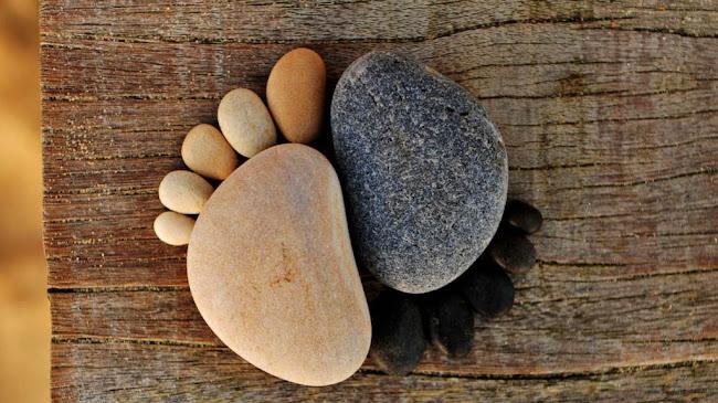 Hòn đá gây vấp phạm