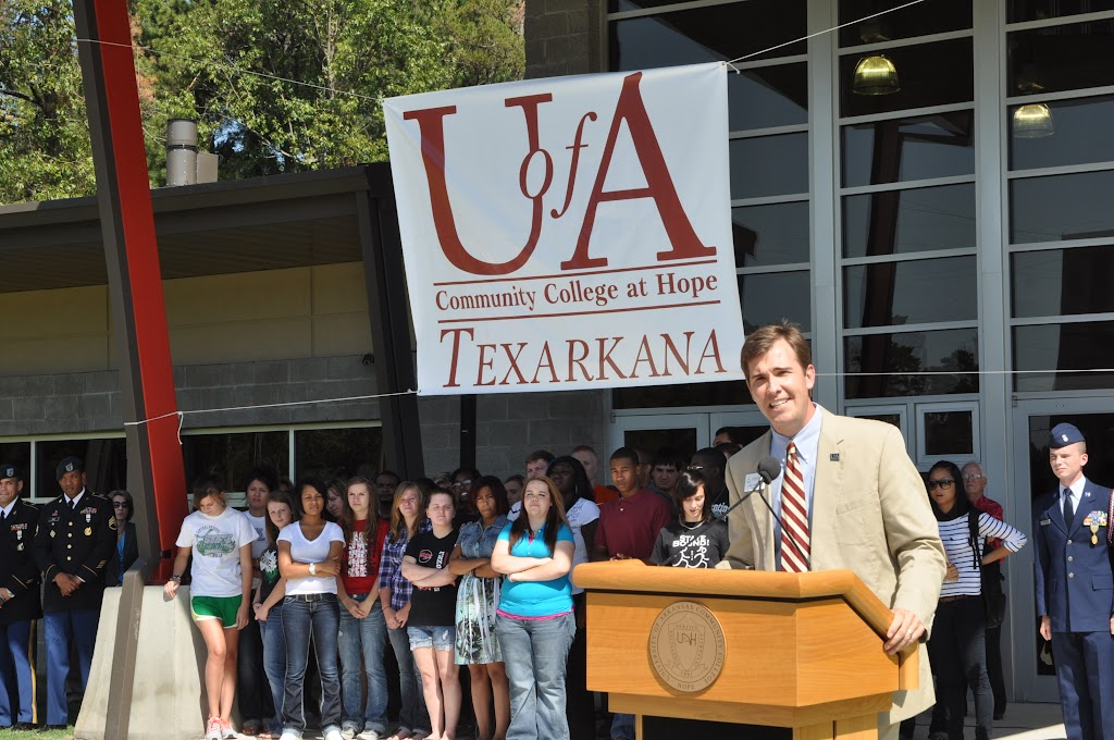 UACCH-Texarkana Ribbon Cutting - DSC_0364.JPG