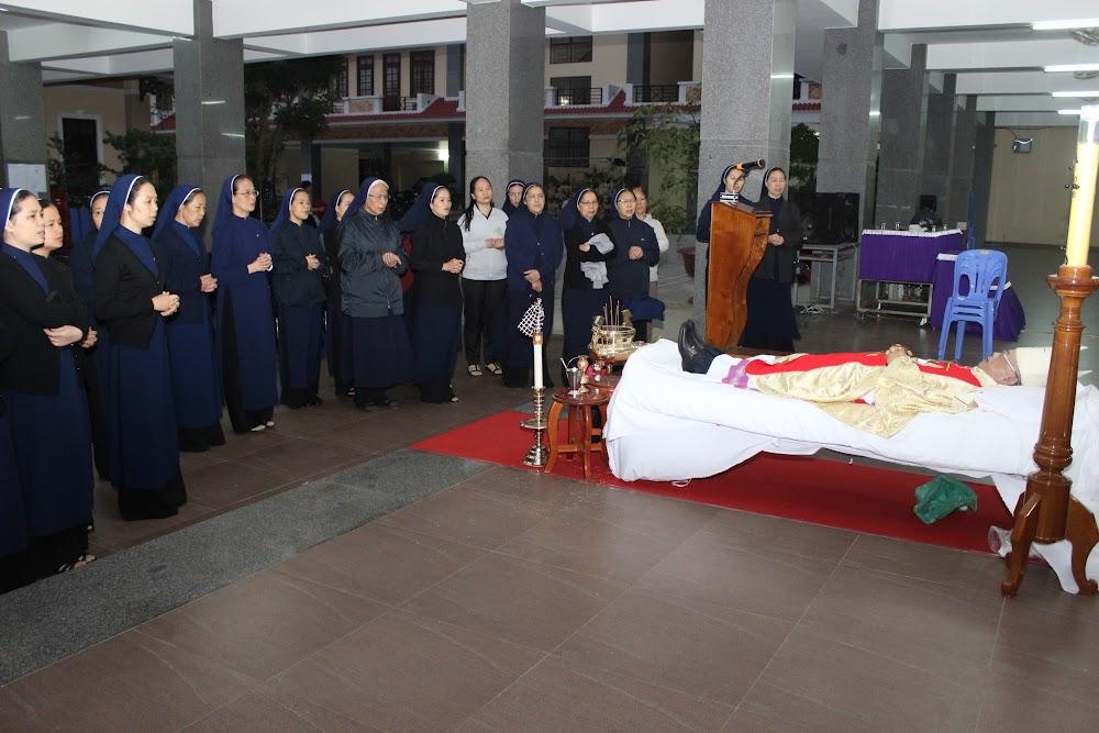 Các đoàn thể kính viếng Đức Cha Phaolô mới qua đời - Ảnh minh hoạ 16
