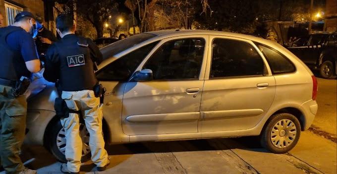 Allanamientos por el robo de un millón de pesos y un auto en VGG; un preso estaba vendiendo el vehículo por internet