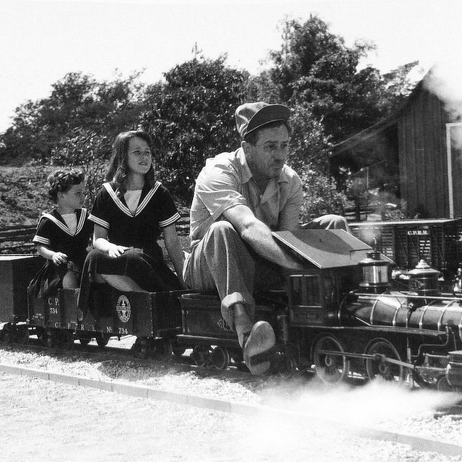 Walt Disney's Backyard Railway: The Carolwood Pacific Railroad