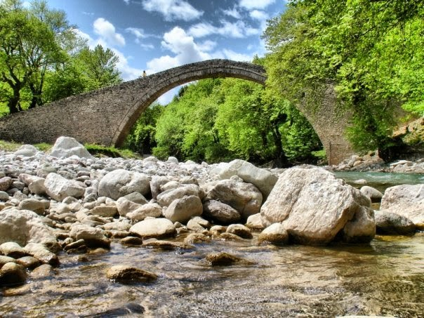 Τοξωτή γέφυρα 500 ετών Πύλης