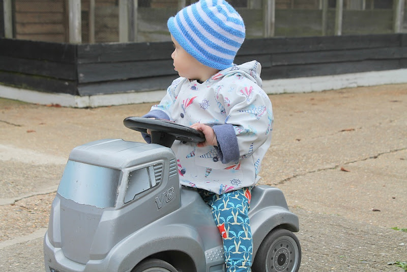 baby-riding-toy-tractor