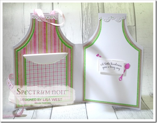 A Gift of Love Apron Card Note Holder (4)