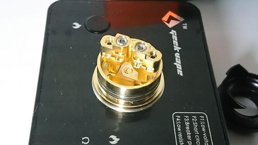DSC 2106 thumb%25255B2%25255D - 【RDA】「Geekvape Peerless RDA」レビュー。24mm爆煙大型コイルビルド可能な高級感あふれるドリッパー!!ボトムフィード対応【ギークベープ/ビルド/電子タバコ】
