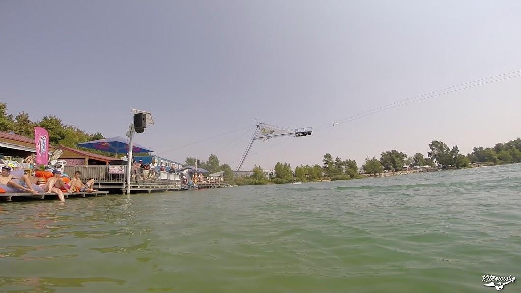 vlcsnap-2015-08-16-18h13m00s15