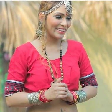 Zoya Rathore webseries actress hot photos gallery