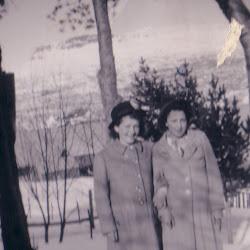 Tante Alvilde til høyre