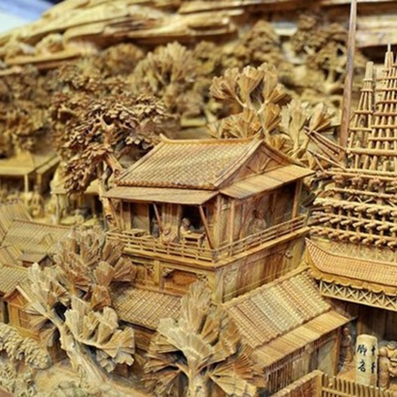 The spectacular wooden sculptures by the Chinese artist Zheng Chunhui.