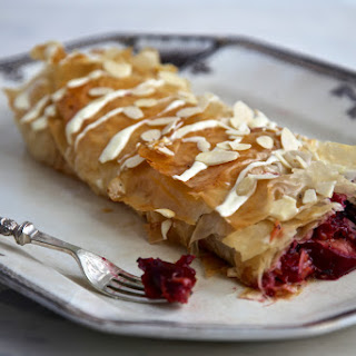 Flavor King Pluot and white chocolate strudel