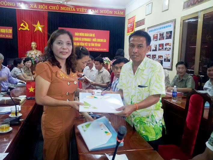 Đoàn cán bộ hai tỉnh Viêng Chăn và Xaynhabuly-nước CHDCND Lào học nâng cao tiếng Việt tại tỉnh Yên Bái