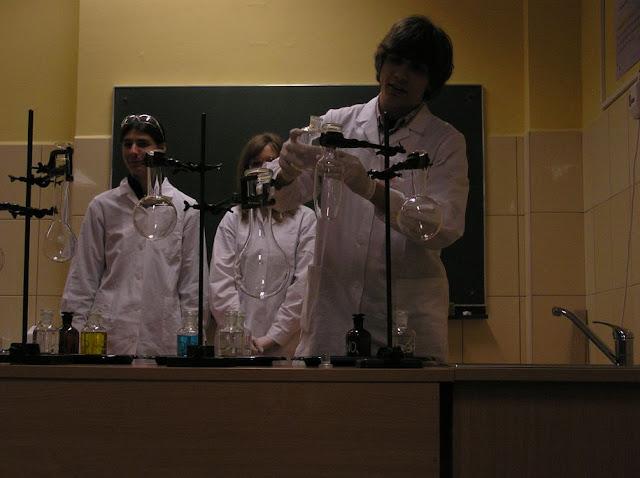 DO 2011 pokazy fizyczno chemiczne - P4150030_1.JPG