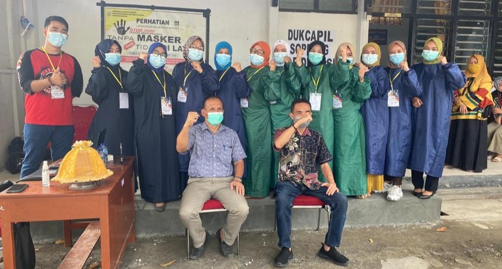Sebanyak 30 Staf Petugas Pelayanan Dukcapil Soppeng Divaksin