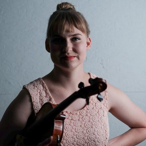 Jennifer Yarbrough Photo 19