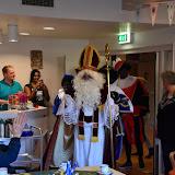 Sinterklaas en vijf zwarte pieten op bezoek in de Clockstede - Foto's Harry Wolterman