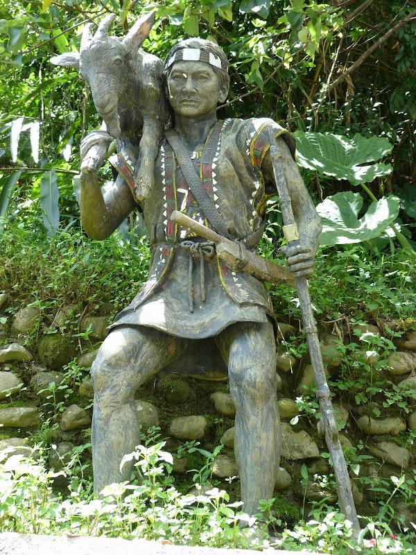 Puli  en passant , entre autres, par les villages de l ethnie Bunum de Loloko et Dili. J 10 - P1160848.JPG
