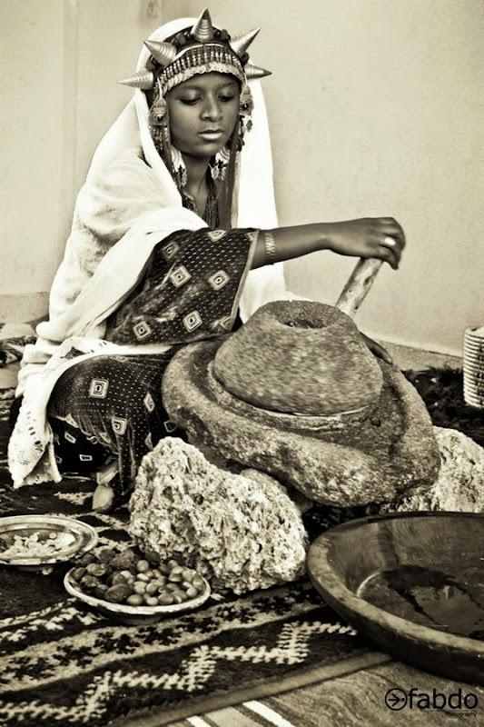 berber-girl-making-argan
