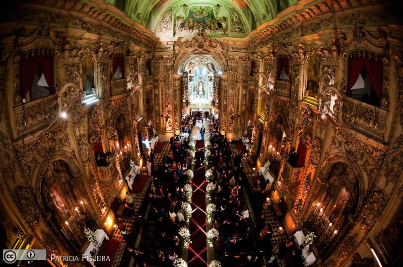 Foto de casamento 3110 de Fabiana e Johnny. Marcações: 17/07/2010, Casamento Fabiana e Johnny, Igreja, Igreja Nossa Senhora Monte do Carmo, Rio de Janeiro.