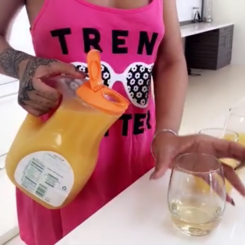 Rihanna cooks in Forever 21's Nightdress
