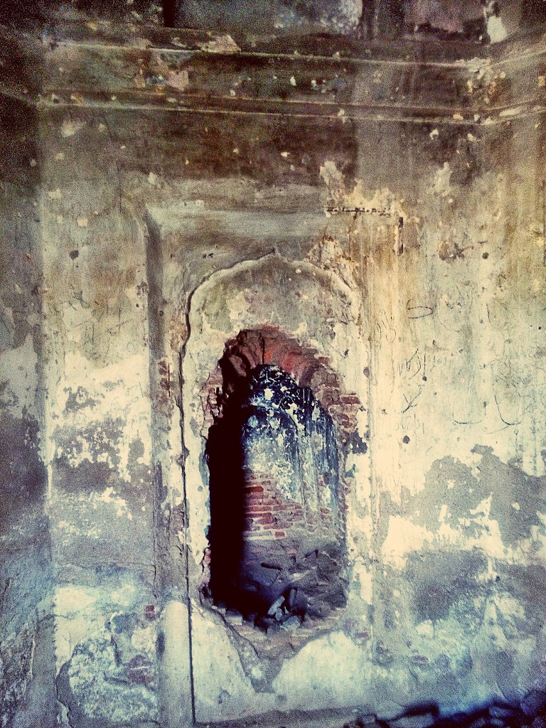 tomb_interior