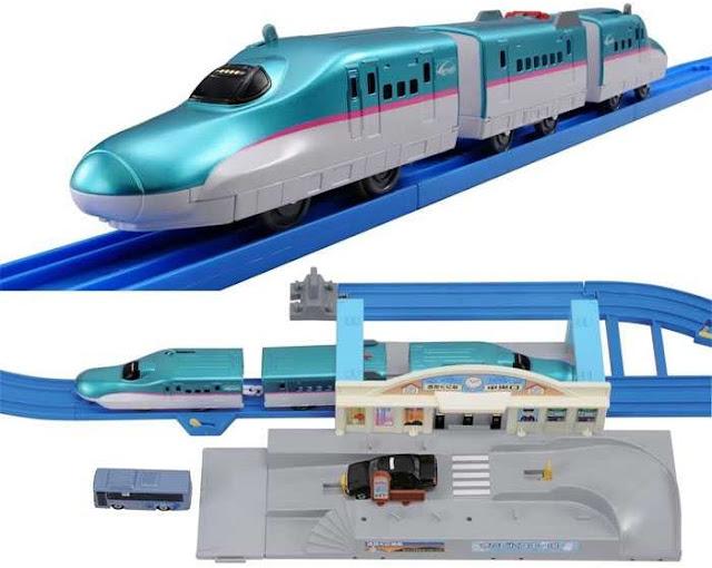 Hình ảnh giống thực tế của Bộ tàu hỏa Shinkansen Hayabusa và nhà ga quay xe Tomica Station Rotary