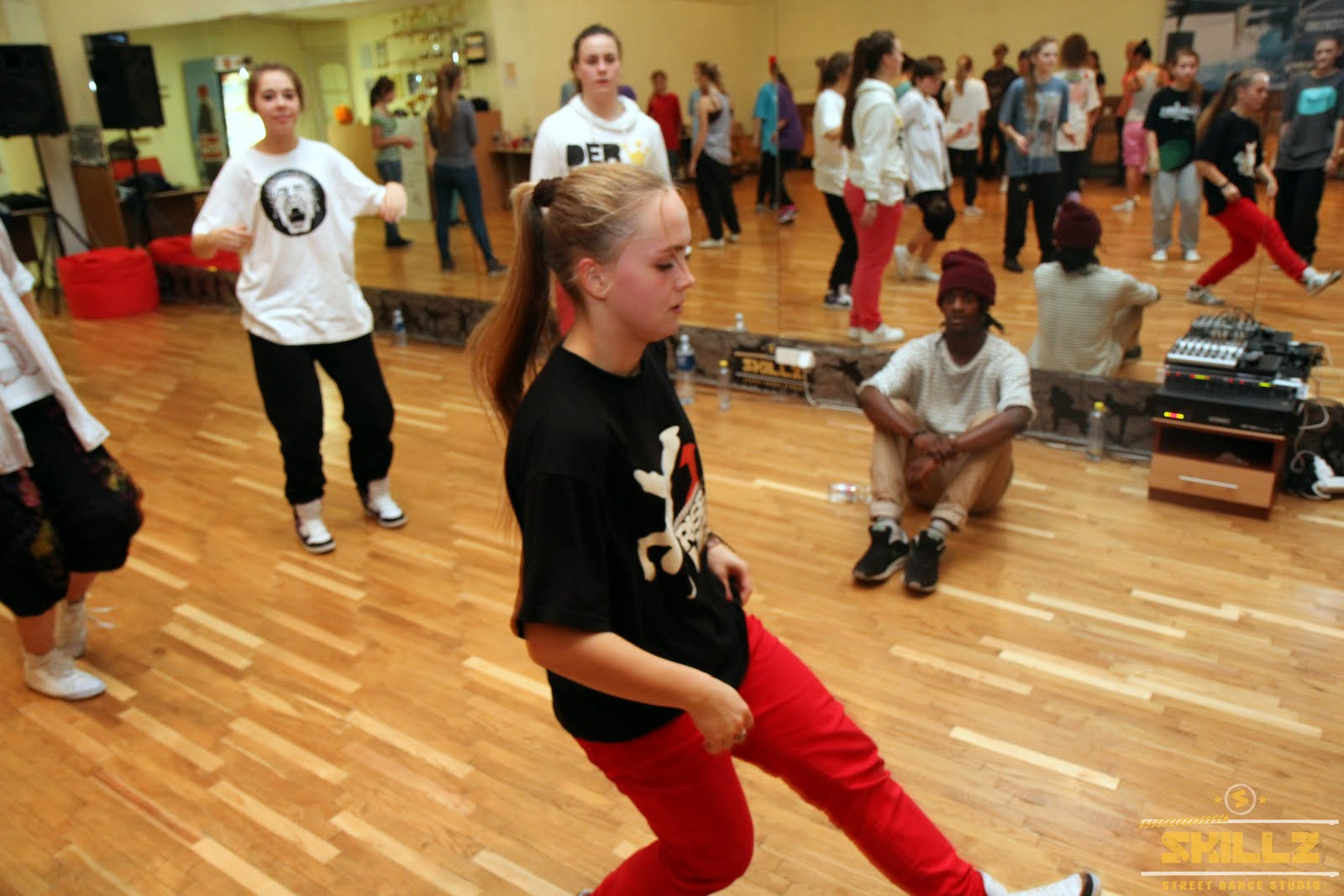 Hip- Hop workshop with Shaadow (UK) - IMG_1864.jpg