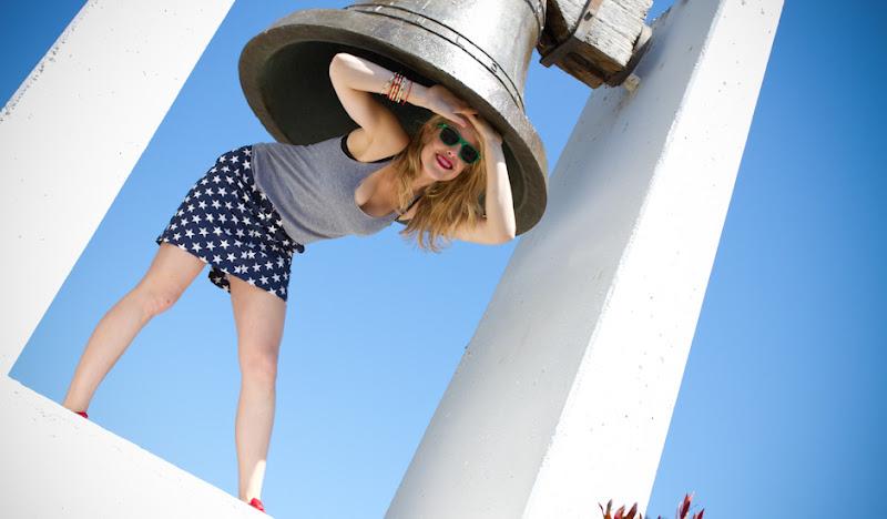 USA Skirt Underneath Bell
