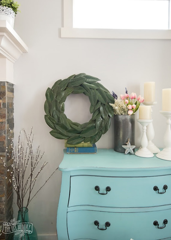 DIY-Magnolia-Wreath-Tutorial-2