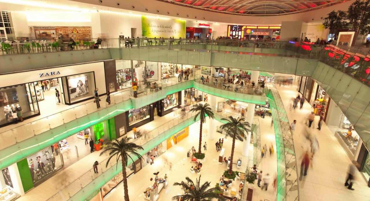 Hombre se lanzó del cuarto piso en Ágora Mall