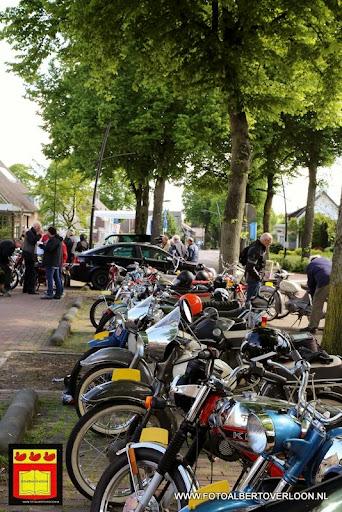 oldtimer bromfietsclub De Vlotter overloon 02-06-2013 (33).JPG