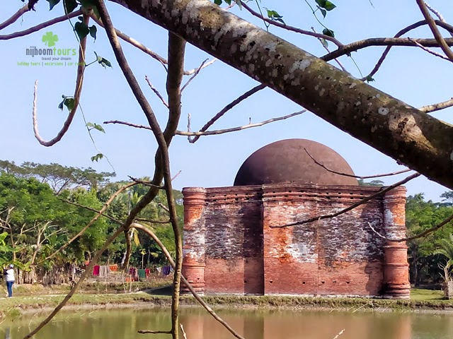 Chunakhola Mosque in bagerhat