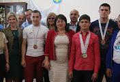В Николаеве чествовали глухих борцов, которые привезли из Ирана медали чемпионата мира