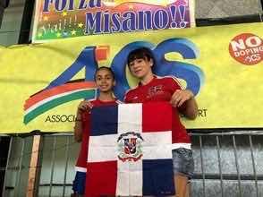 Dominicana de 13 años logra plata en patinaje artístico en Italia
