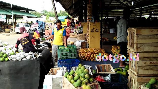 Buah buahan murah harga grosir di pasar induk cikopo purwakarta jawa barat