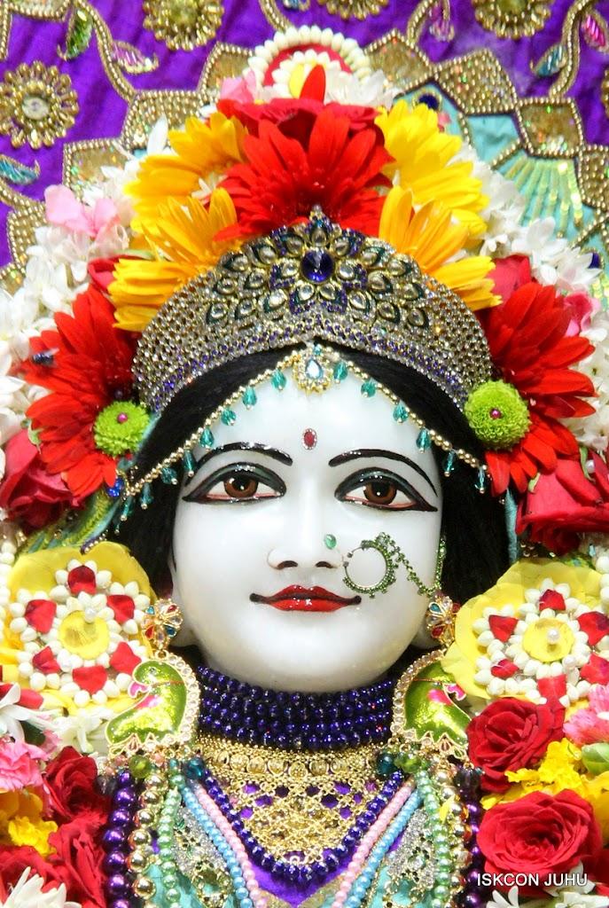 ISKCON Juhu Sringar Deity Darshan on 24th July 2016 (26)
