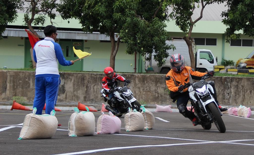 Ajari Ilmu Balap ke Komunitas, AHM Gelar All New Honda