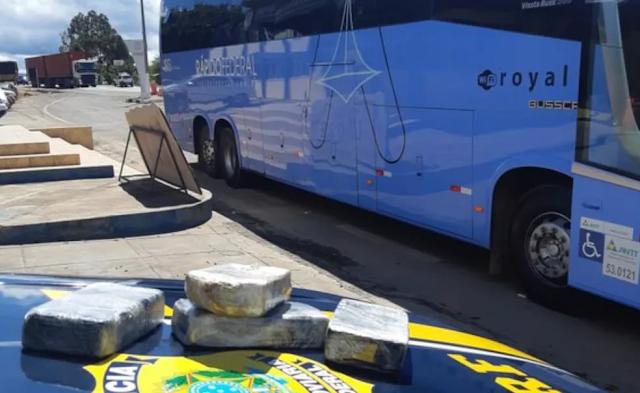 Seabra - Homem é preso por transportar quase 4 kg de pasta base de cocaína em ônibus de viagem na Chapada Diamantina