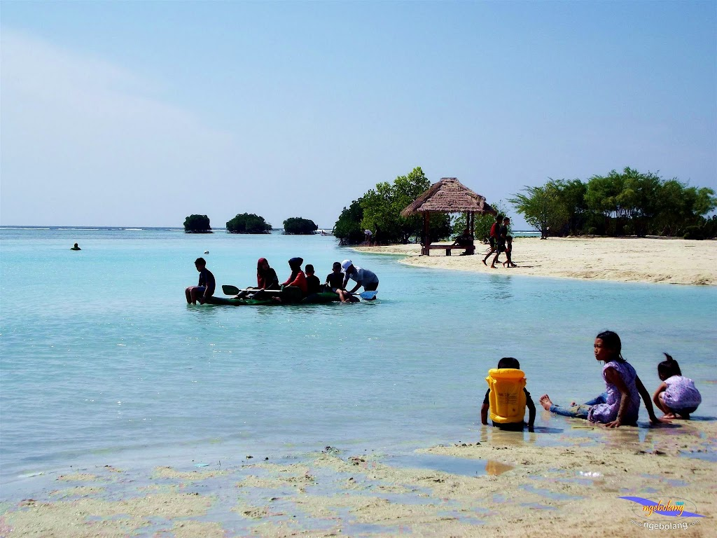 family trip pulau pari 090716 Fuji 032