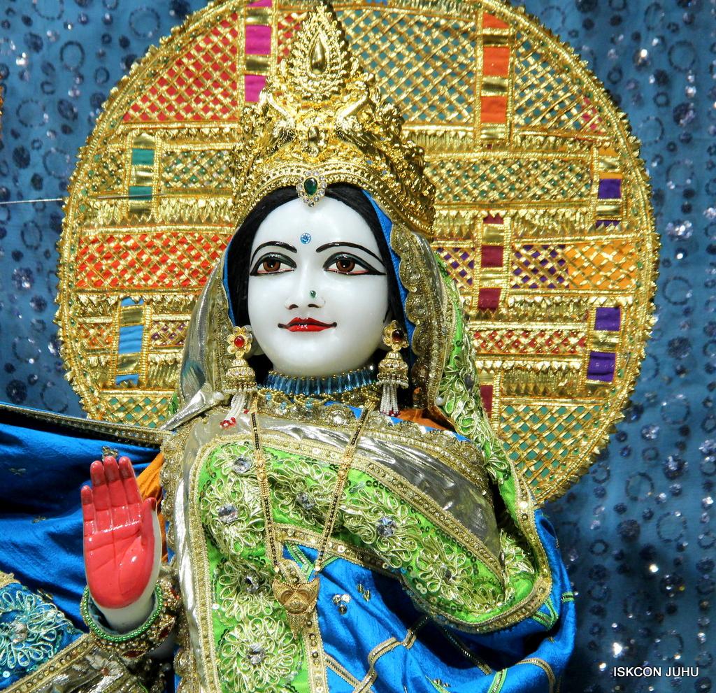 ISKCON Juhu Mangal Deity Darshan on 5th Sep 2016 (7)