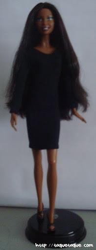 Barbie Basics LBD #10: foto de la muñeca de cuerpo entero
