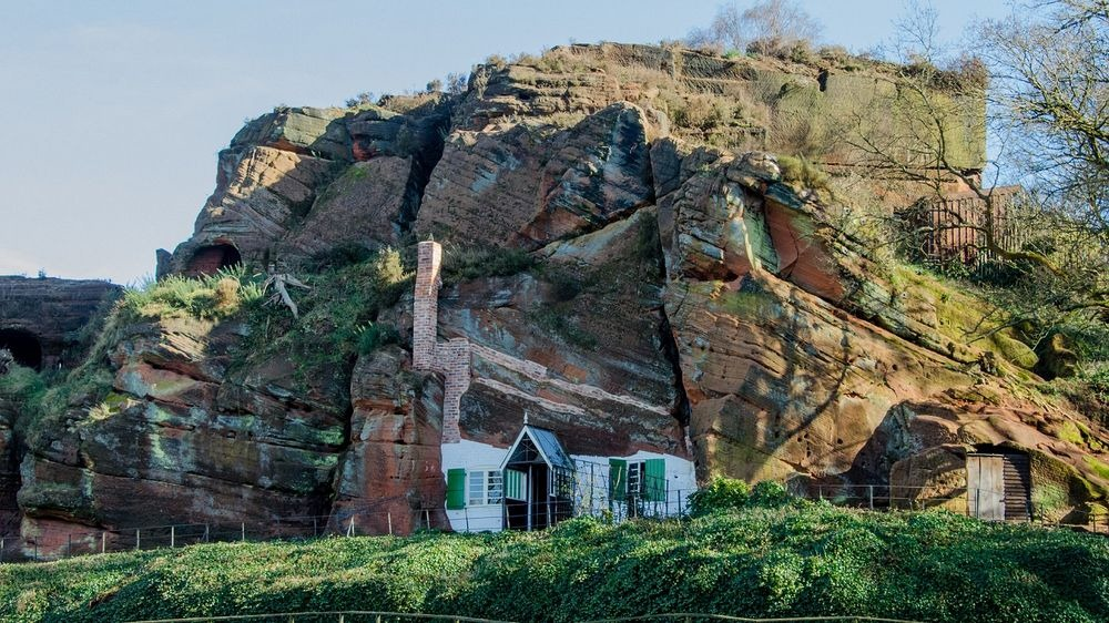 holy-austin-rock-house-kinver-9