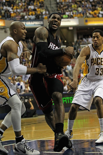 James amp Wade Carry Heat to Tie the Series LeBron With Away 98217s