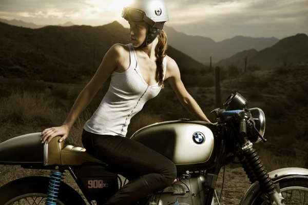 Cafe Beemers  BMW Girl