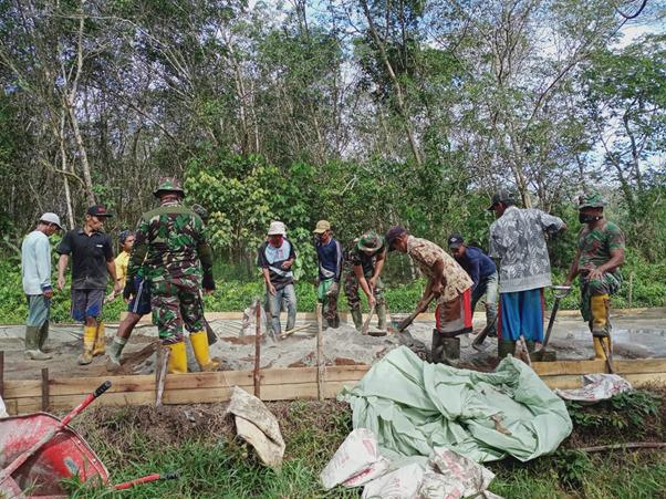 TMMD Ke-111 Kodim 1207/Pontianak, Bersama Rakyat TNI Kuat