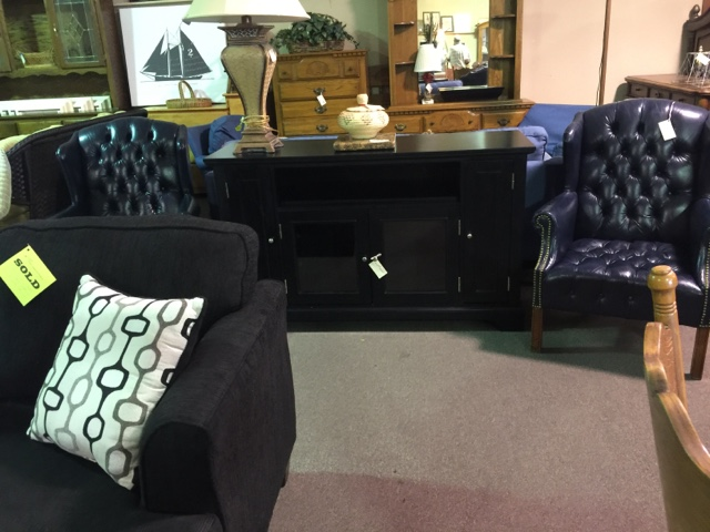 Bon Posted By Design Furniture Consignment At 8:59 AM 3 Comments